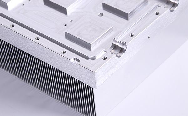 插片式散热器和电子散热器到底有什么区别?